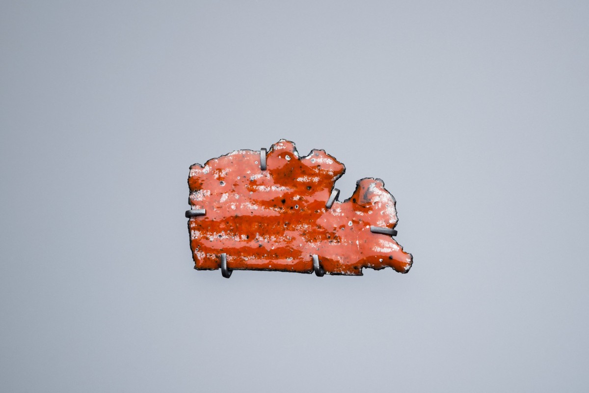 Catherine Large Car wreck brooch, orange, small 2020