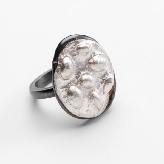 Ephemeral ring (rocks)