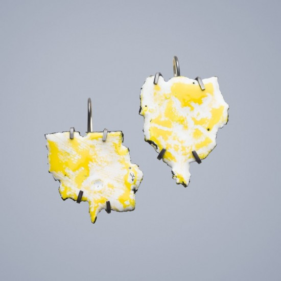 Car wreck earrings, yellow and white
