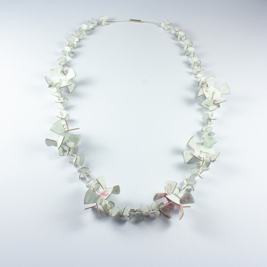 Cracked Flowers Necklace