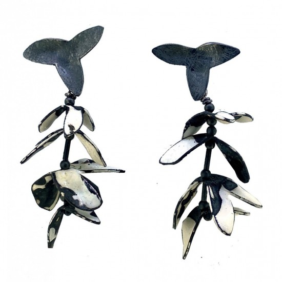Jenny Fahey, Garland Earrings White 6
